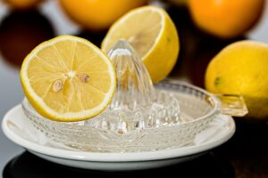 lemon juice helps combat bacteria